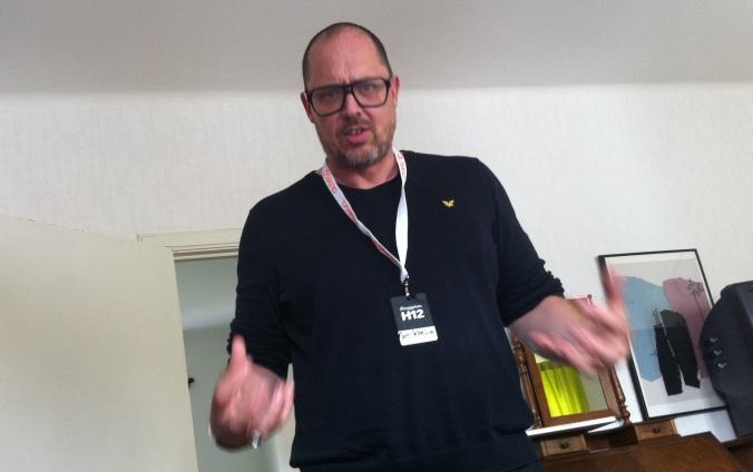 Flickjox - Nikke Lindkvist - Alla ska taggas!