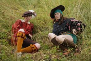 Two knechts taking a break in the grass. Webel Ilseke Kapmeyer and Gefreiter Bärbel Rosenwasser. Pre-larp prepartion. Photo: Lisa Tegelmark