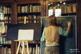 Lessons in the library. Ingame. Photo: Nadina Wiórkiewicz and Maciek Nitka